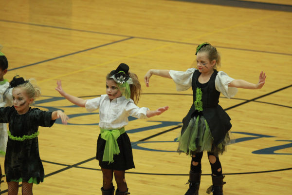 039 Starry Knights Dance Extravaganza 2014.jpg