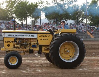001 Fair Tractor Pull.jpg