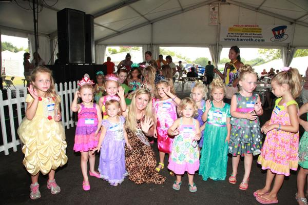 016 Queen for a Day 2014.jpg