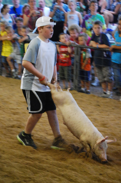 018 Washington Fair Pig Chase.jpg