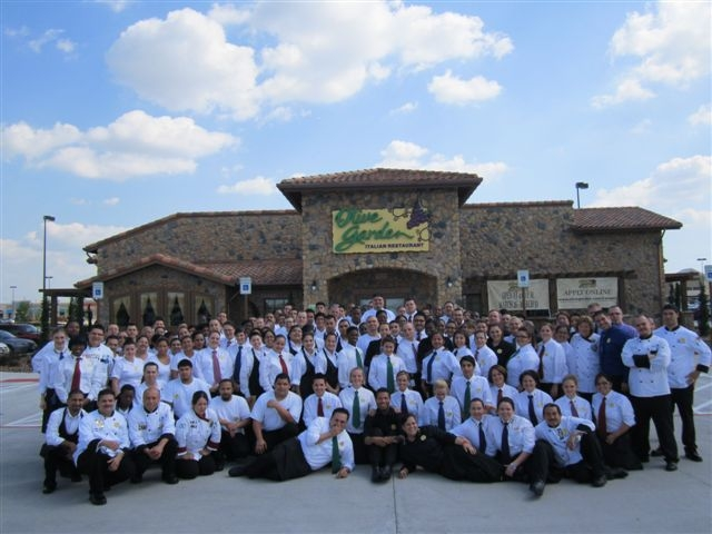 Olive Garden Opens In Rosenberg Fort Bend Herald Arts And Entertainment