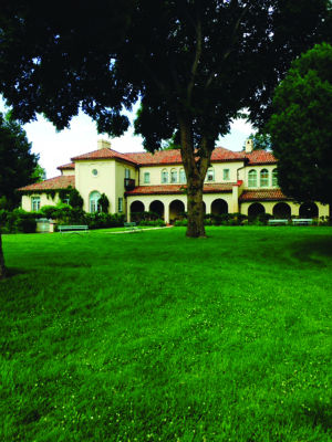 <p>The Villa Philmonte in Cimarron in New Mexico is on the National Register of Historic Places and has 28,400 square feet of living space.</p>