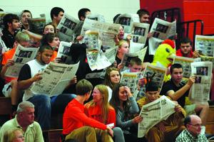 Newspaper fans