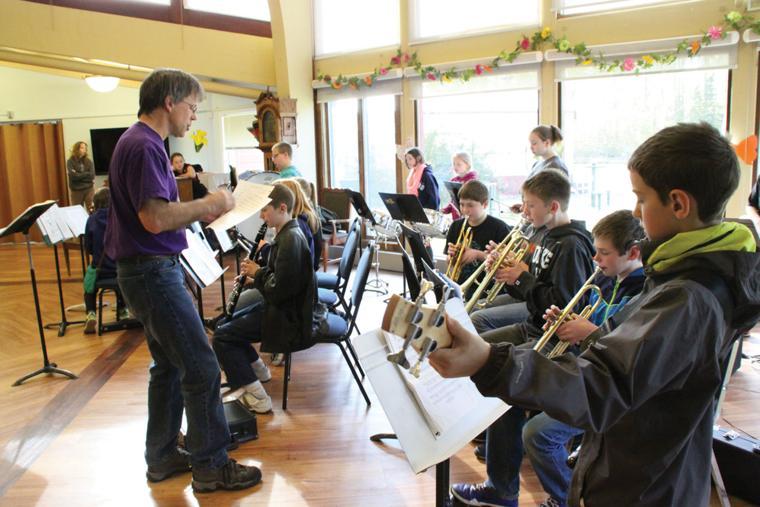 Willow Elementary band, choir performs at Alaska Veterans ...