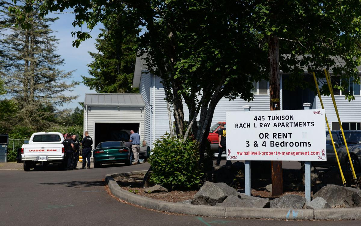 Federal Agents Local Cops Raid Corvallis Apartment