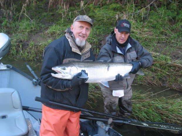 Nice catch on the siletz oregon outdoors for Siletz river fishing