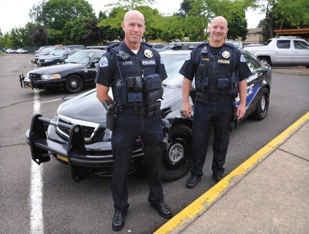 Albany Police Sport New Vests Local Gazettetimes Com