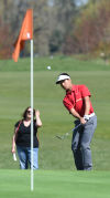 Prep boys golf: Geniza wins MWC opener at Trysting Tree