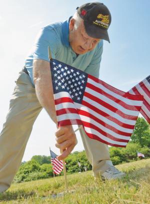 Flags for veterans at Oak Lawn