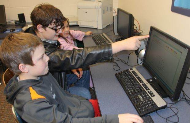 High school students partner with elementary