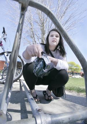 Student mentors pick up trash, too