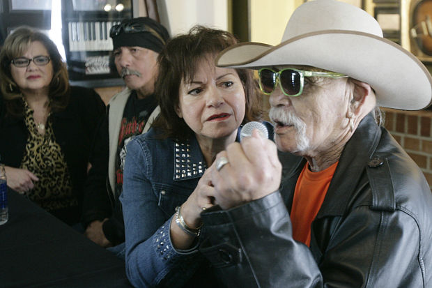 Siblings Share Stories Of Rock 39 N 39 Roll 39 S Ritchie Valens