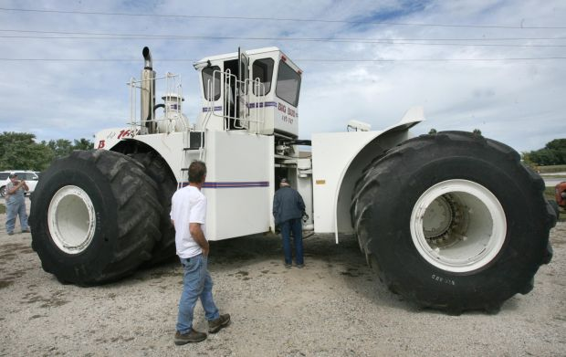 Big Bud Tractor : Big bud the biggest baddest tractor ever built will be