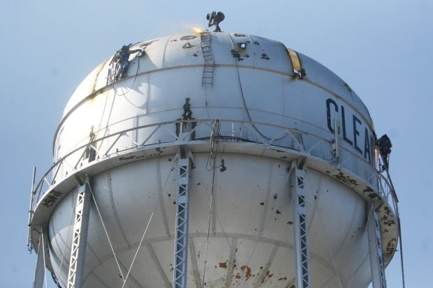 Trenton Water Tower Demolition : Update clear lake water tower demolition continues