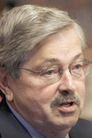 Branstad vetoes Legislature's 'big deals'