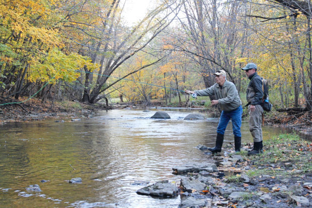 Fly fishing class a hit with live bait users mason city for Fly fishing iowa