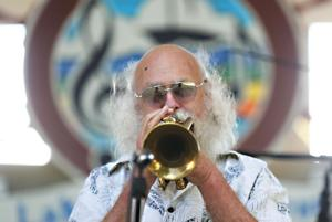 Hot jazz highlights balmy Clear Lake concert