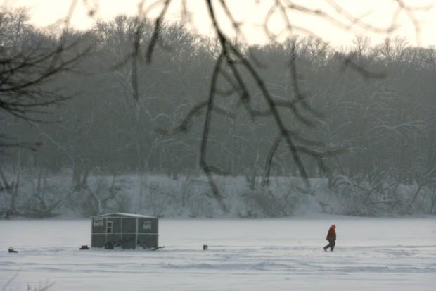 Ice fishing heating up on clear lake mason city north for Ice fishing iowa