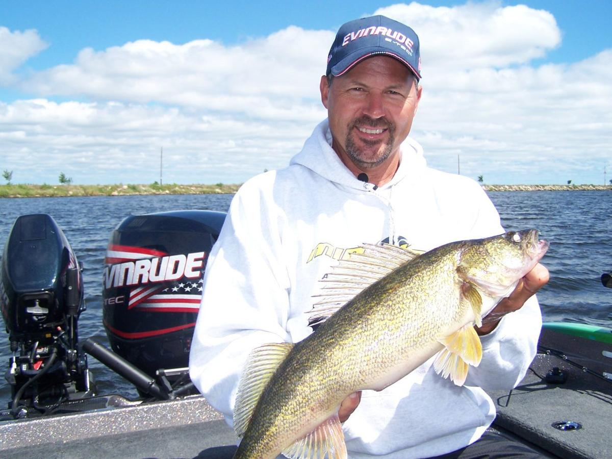 Go with spinners for walleyes right now bob jensen column for Fishing the midwest