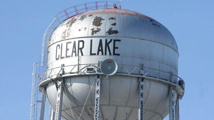 Demolish Water Tower : Lake council accepts bid for demolition of water tower