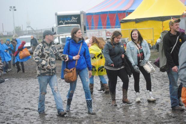 Rain doesn't stop Tree Town Music Festival