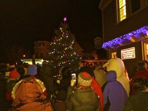 Lexington Lights up Magnolia holiday magic