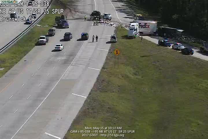 Fatal crash closes northbound I-95