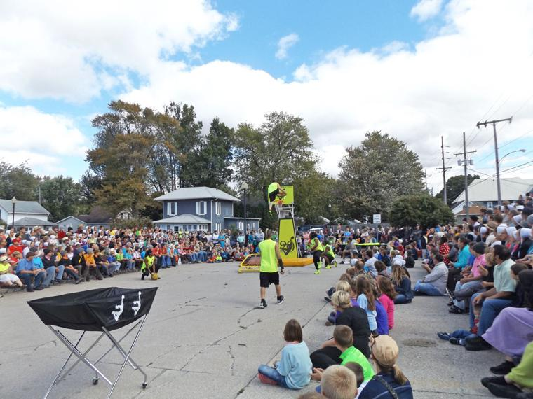 Slideshow Nappanee Throws A Party With Apple Festival Goshen News Local News