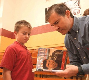 War hero speaks to Lemoore students about experience