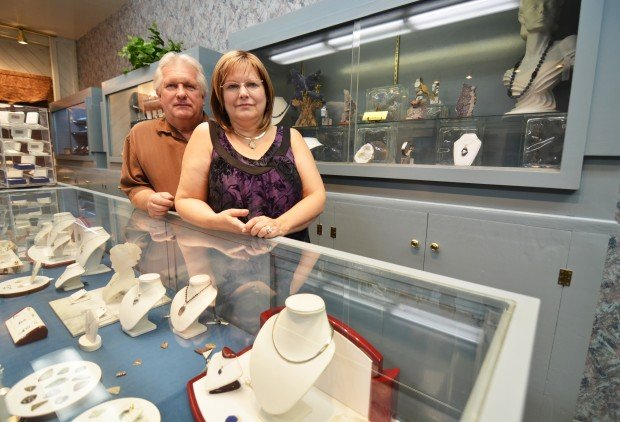 jeweler to design 39 stars 39 prize for 13th year lemoore