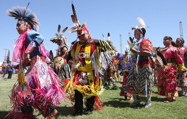 Pow Wow Keeps Traditions Alive Local Hanfordsentinel Com