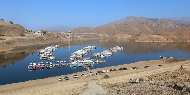 Drought conditions at lake kaweah for Lake kaweah fishing