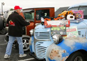 Havasu Classics Car Club Toy-Food Drive and Car Show