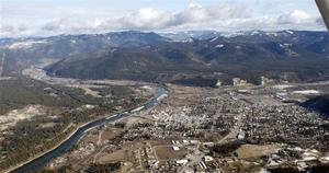 Amid move to end Montana cleanup, some asbestos left behind