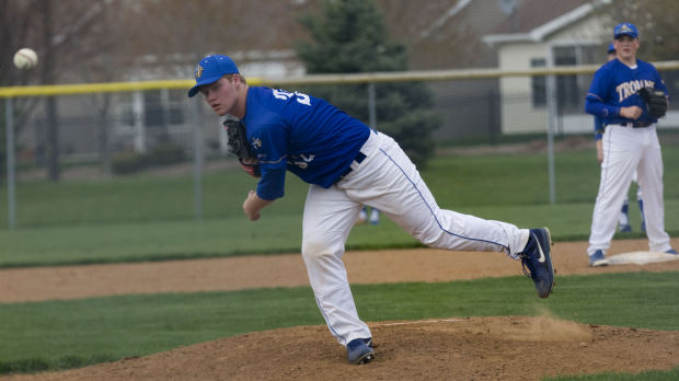 Maroa ousted in ninth inning
