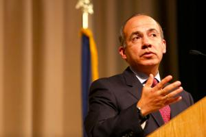 It's not your father's Mexico, Calderon tells Econ Club