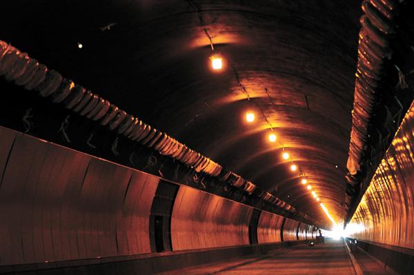 Tunnel delay