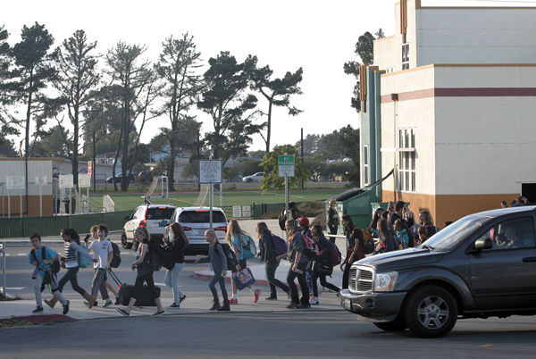 Half Moon Bay parents arrive at safer road to schools | Local News ...