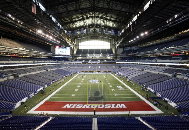 Lucas oil stadium uw painted in end zone for big ten for Terrace end zone lucas oil stadium