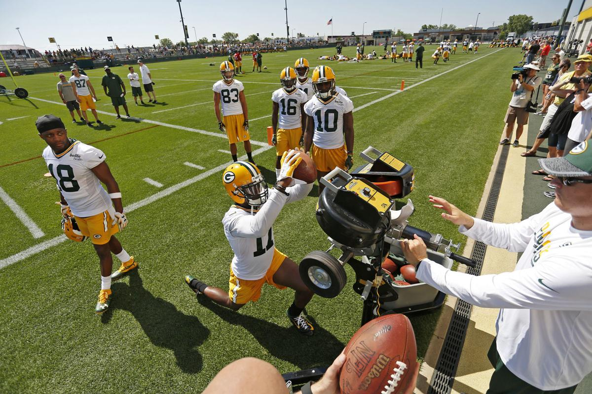 Nike jerseys for Cheap - Tom Oates: Receivers Jared Abbrederis, Trevor Davis stand out on ...