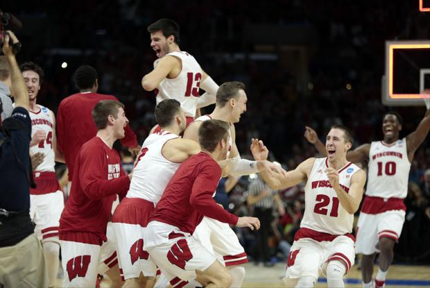 Tom Oates: This time, Frank Kaminsky gets some help as UW teams up for Elite Eight win over Arizona