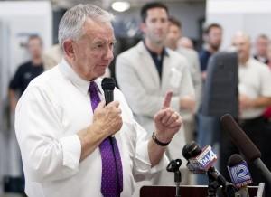 Democrats challenge Thompson to release tax returns