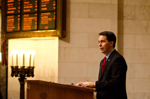 Gubernatorial stage set as Walker announces re-election campaign