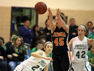 WIAA girls basketball: Verona's Cropp gets the point