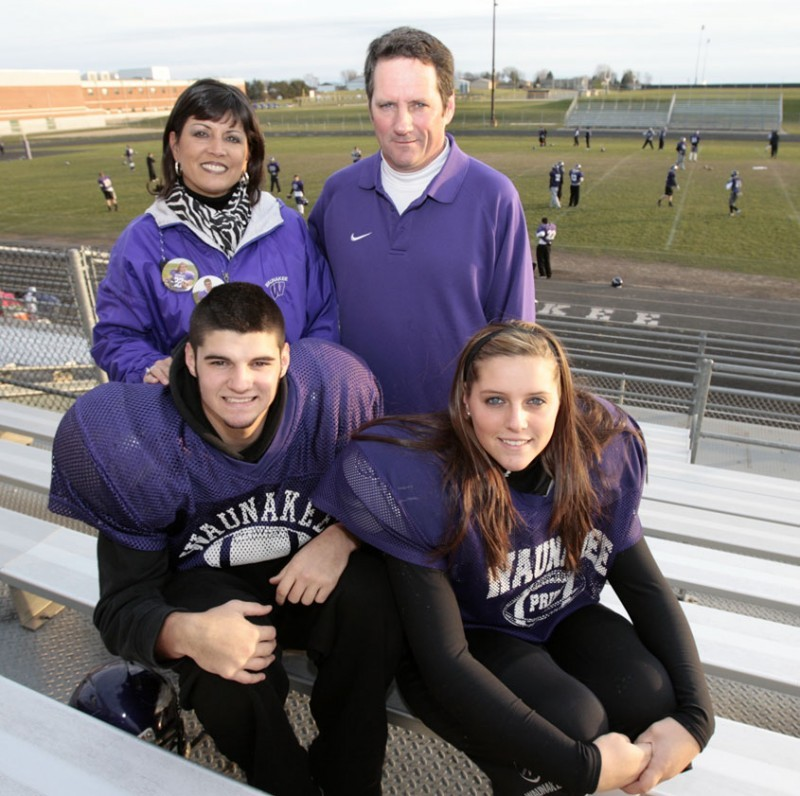 Football family: Siblings have chance to help Waunakee ...
