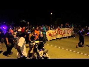 Tony Robinson protest closes East Washington Avenue Thursday night