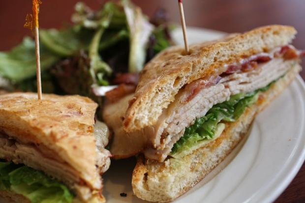 Restaurant review: Le Petit Croissant does a lot more than croissants, so go get lunch