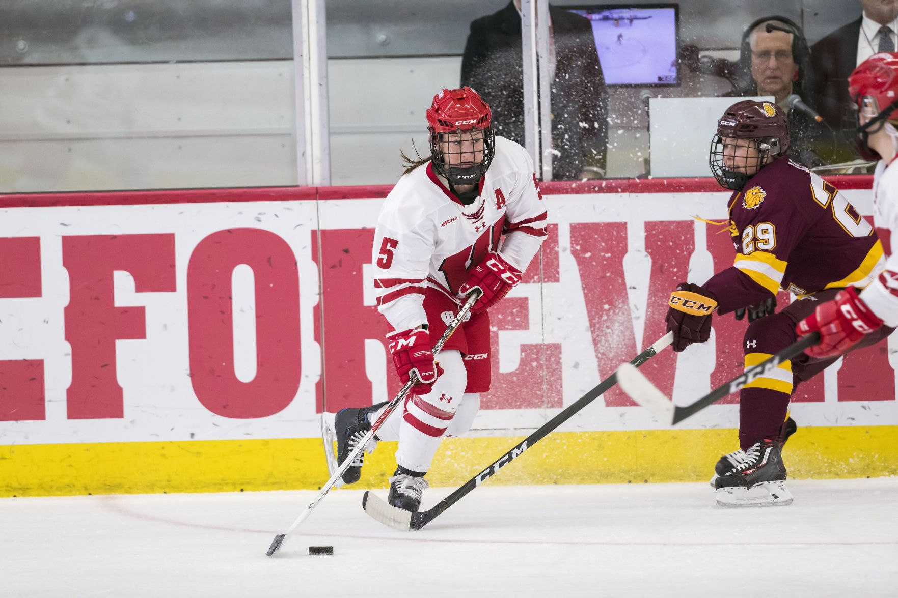 WCHA: Badgers Women's Jenny Ryan Brings Stability To Wisconsin's Defensive Zone