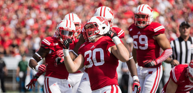 Badgers dominate Maryland in 52-7 victory