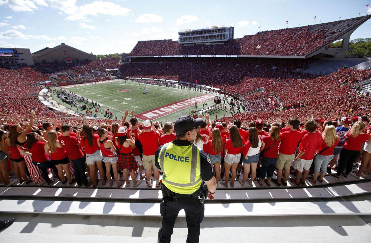Blue On Red A Badgers Game Day Through The Eyes Of Uw And
